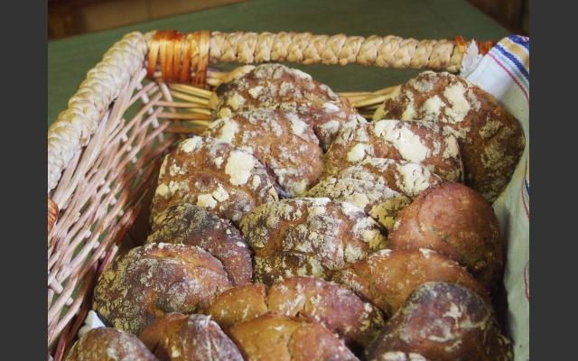 Selbst gebackenes Brot bei der Maiser Alm