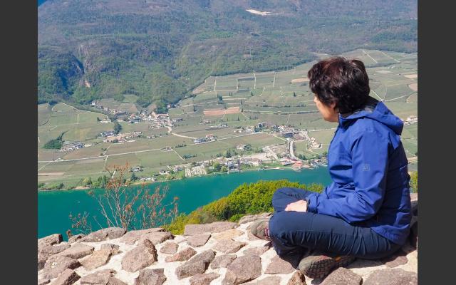 Blick von der Ringmauer zum See