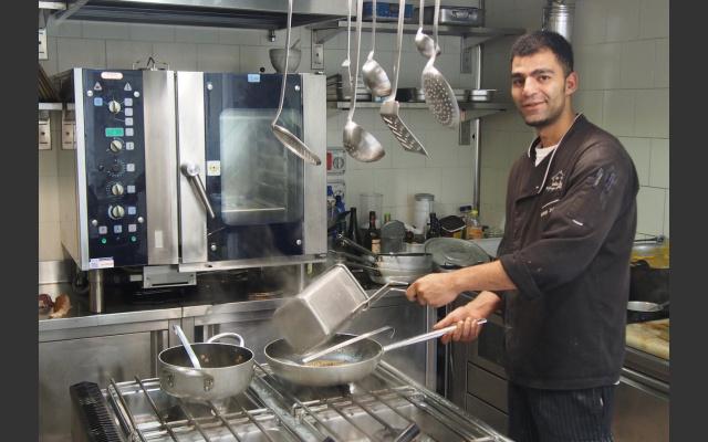 Julio in der Küche