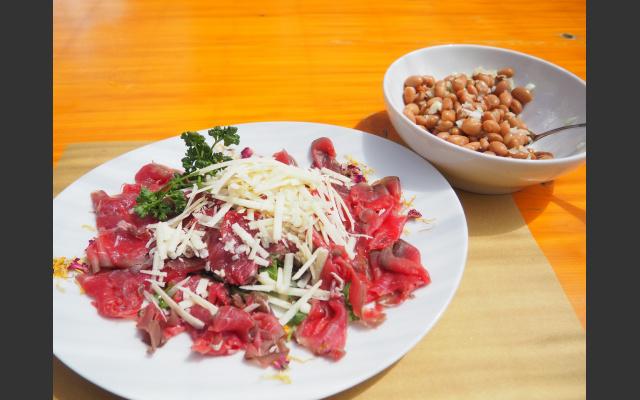 Carne salada mit Bohnen, ene Trentiner Spezialität