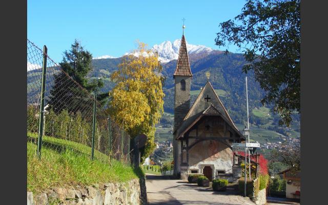 Die Rupertskirche am Weg