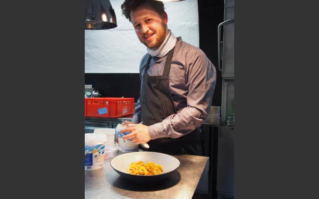 Thomas Ortler in der Küche