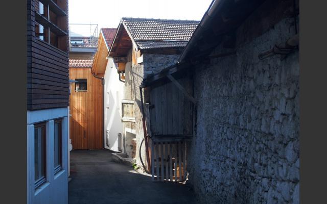 Moderne und Vergangenheit in den Malser Dorfgassen