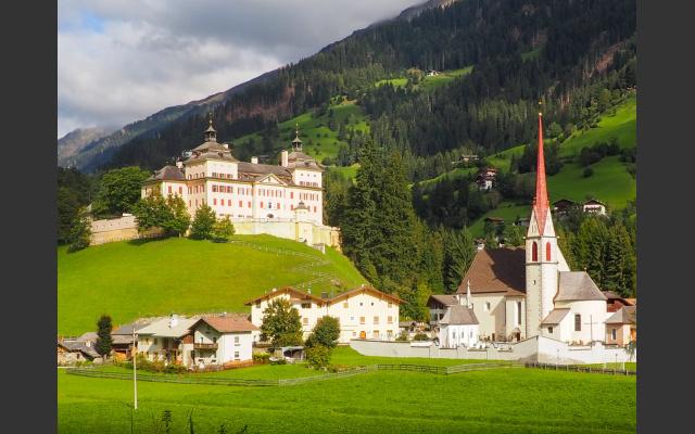 1_Schloss Wolfsthurn