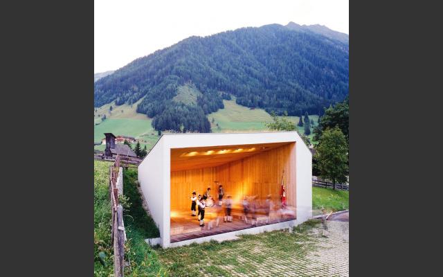 Musikpavillon Weissenbach von Stiefter + Bachmann