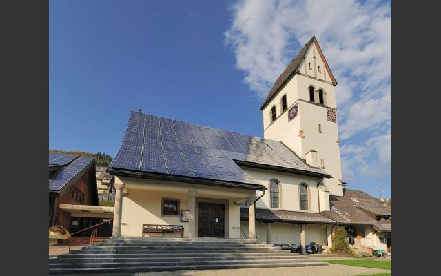 800px-schoenau_kirche.jpg