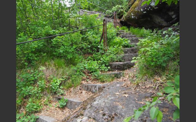 Alte Steinstufen auf Katzenleiter 26