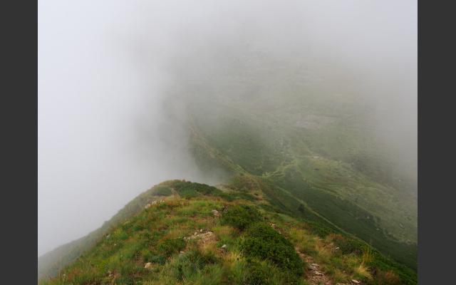 Rückweg über den Grat, Nebel zieht auf