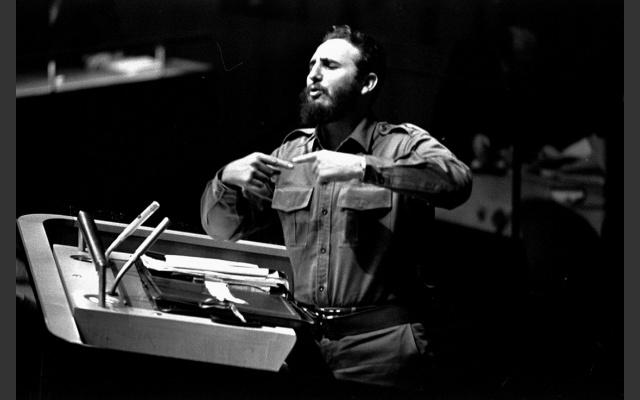 fidel-castro-se-dirige-a-la-asamblea-general-de-la-onu-en-setiembre-de-1960.-foto-ap.npr_.org_.jpg