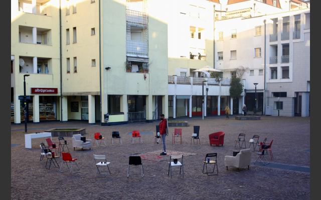 La performance in Piazza Santa Maria in Augia (BZ)