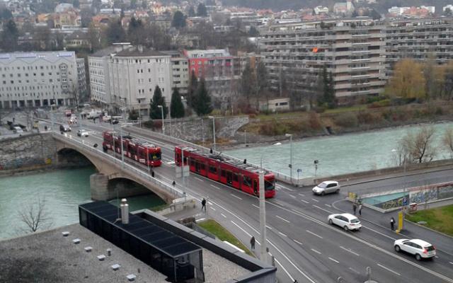 strassenbahn_innsbruck_probefahrt_unibruecke_2012-11-28.jpg