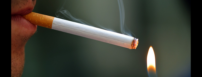 zigarette-anzuenden-apotheken-wissen.jpg