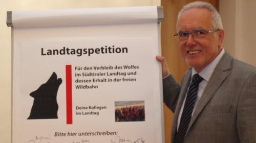 Karl Wolf mit Petition