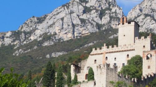 Die Burg immer im Blick