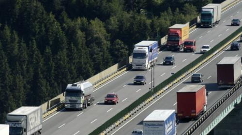Verkehr auf der Europabrücke