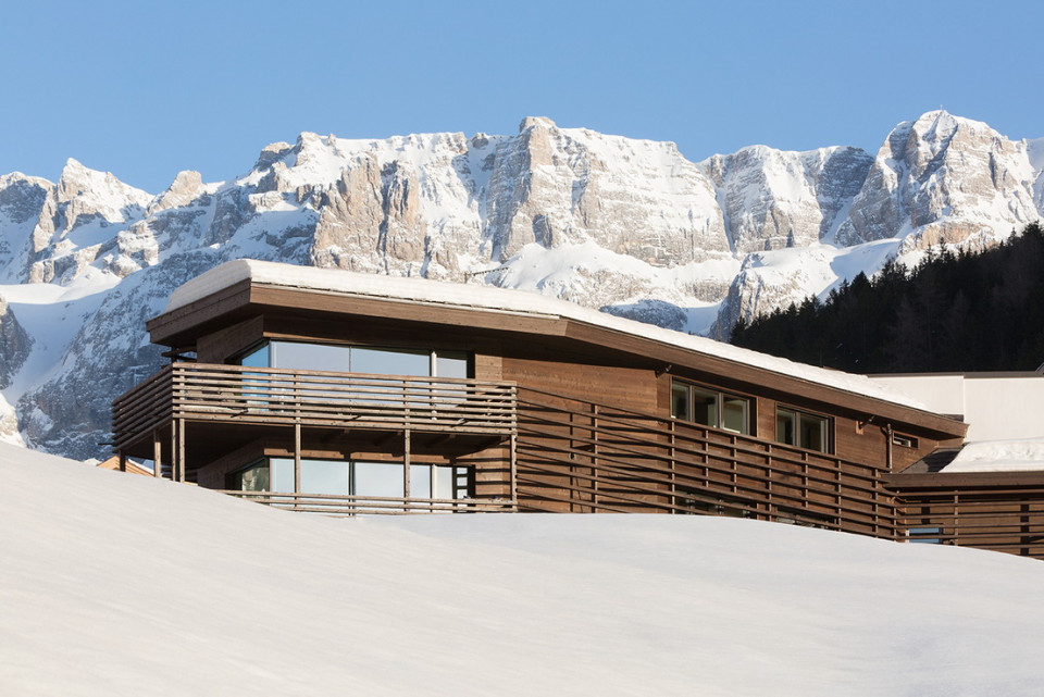 03_mountain_residence_saleghes_archilab_marion_lafogler.jpg
