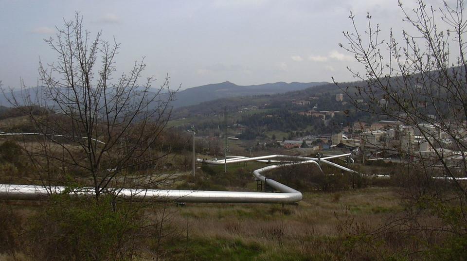 1_1200px-valle_del_diavolo_geothermie_kraftwerk_wikimedia_gabriele_delhey.jpg